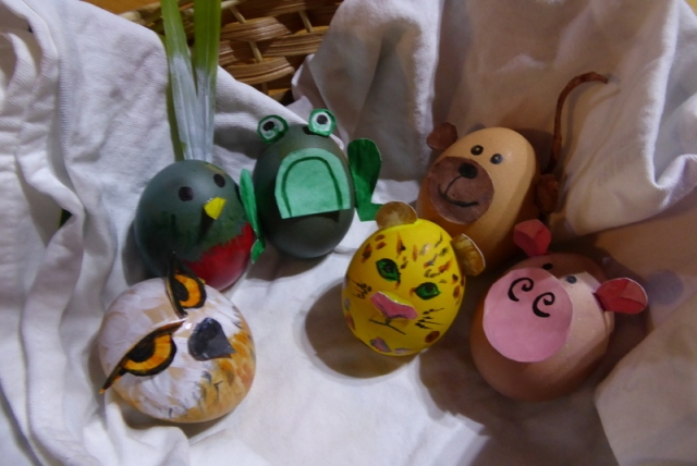 Tropical easter egg animals